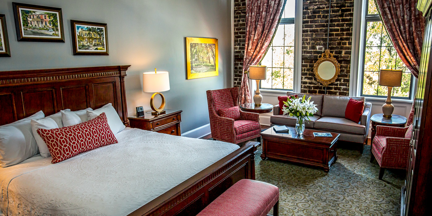Pet Friendly Guest Rooms and Suites in Savannah, Georgia