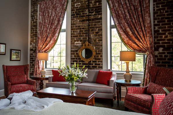 Corner King Suite in Downtown Savannah