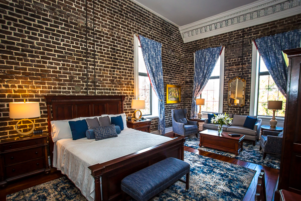 Corner King Suite in Savannah