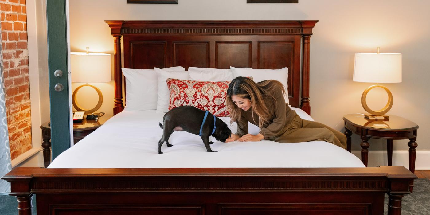 Pet Friendly Hotel Rooms in Savannah, GA at East Bay Inn